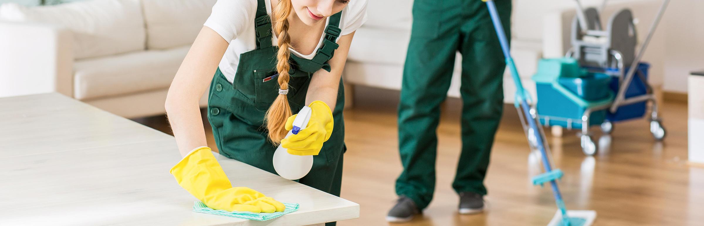 Zabezpečujeme upratovanie bytov, domov, kancelárií a nebytových priestorov v Topolčanoch a okolí.